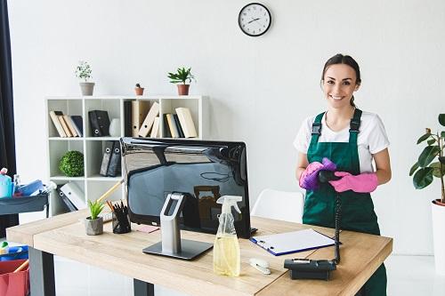 le nettoyage de bureaux à Marseille à un professionnel